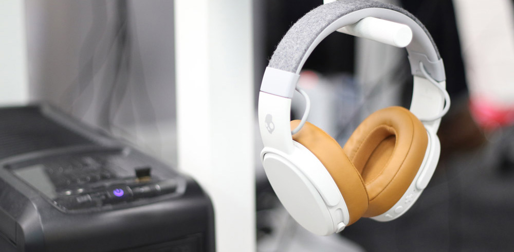Contact Large- PC and Headphones